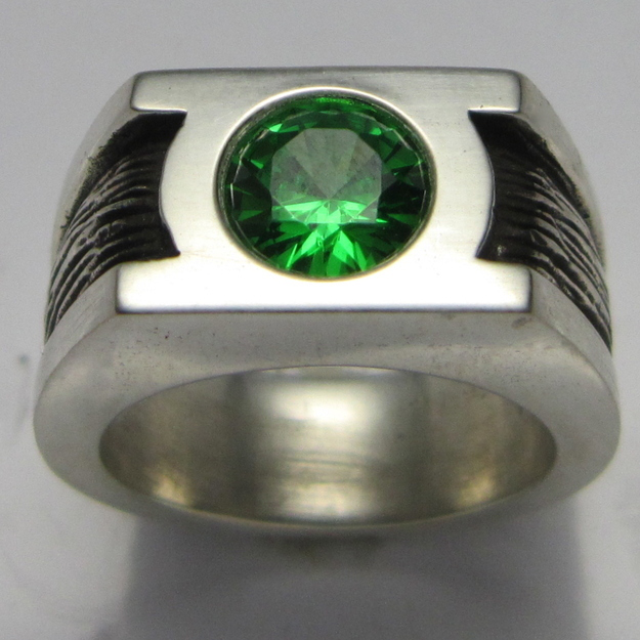 green lantern engagement ring - Nerd Wedding Rings