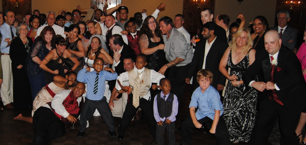 crazy-wedding-dj-pose-down-1024x486
