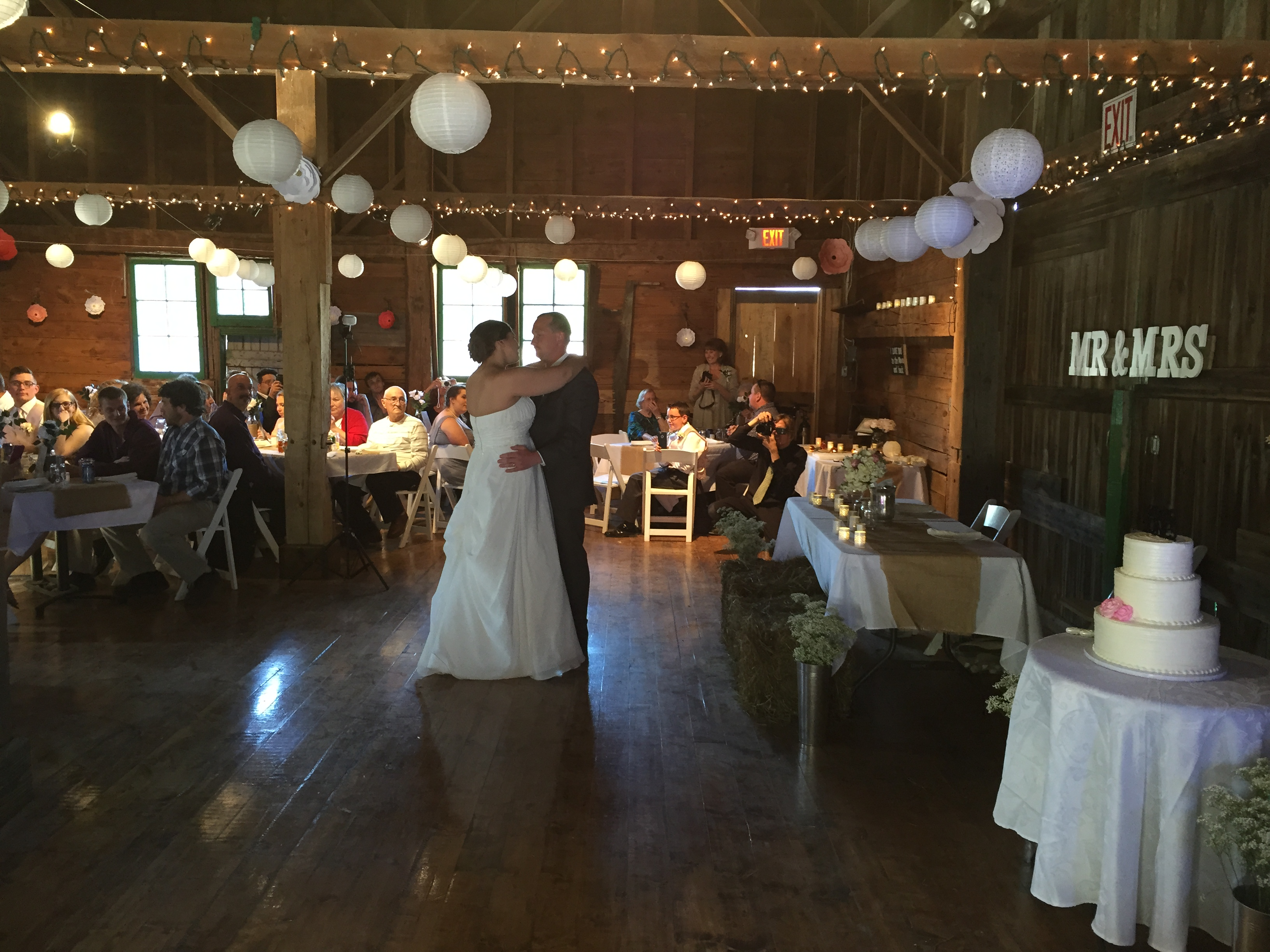 518-506-3305 - DJ Kenny Casanova is a high-quality Wedding DJ in Albany NY. Need an Albany DJ Service for a party or Mitzvah? Book the best DJ Service in Sarato